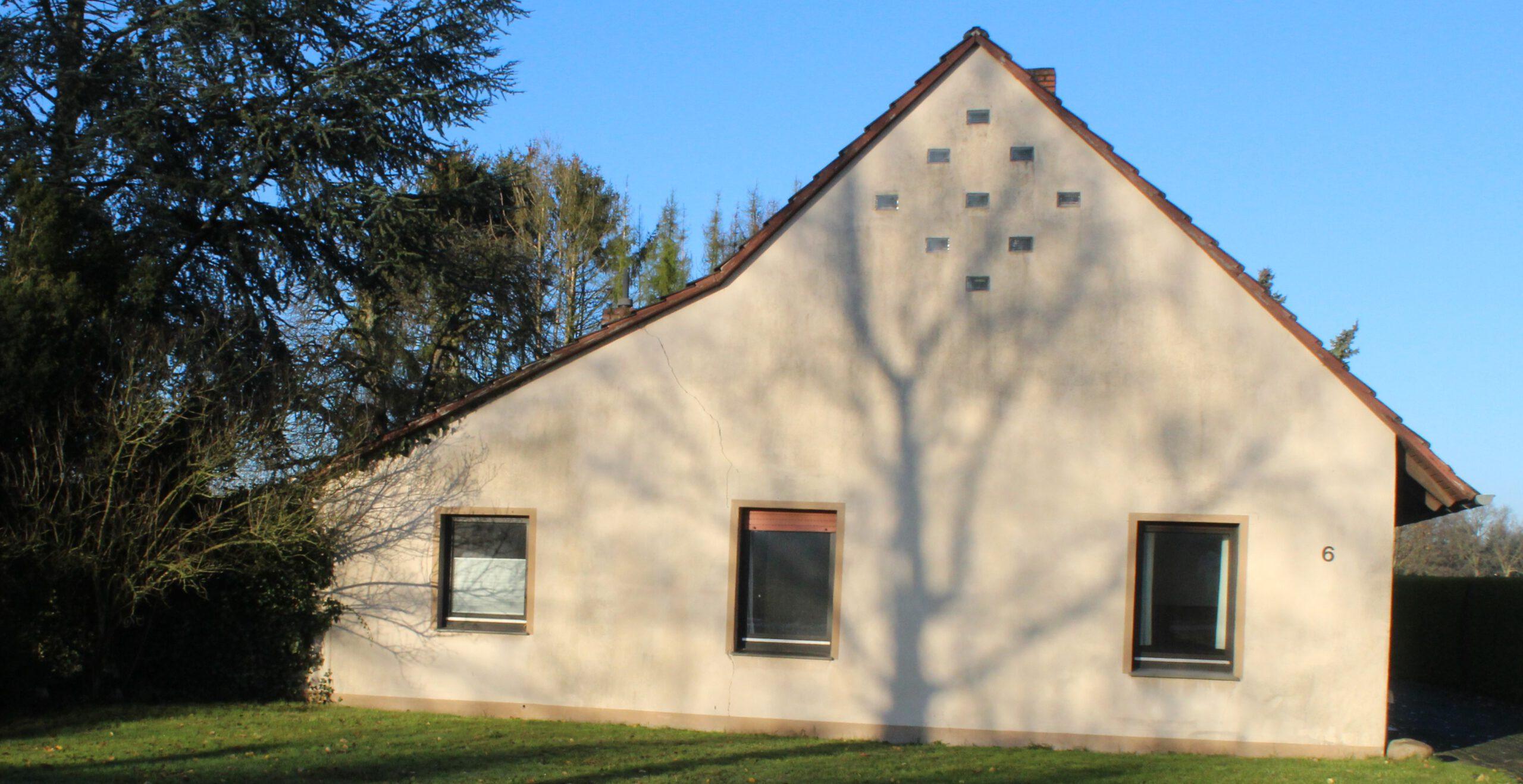 älteres Einfamilienhaus